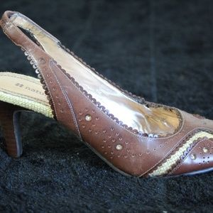 Naturalizer Shoes - These Naturalizers high heels are seize 6.5 .